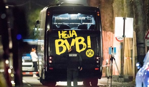 11.04.2017 - Der wohl schwärzeste Tag in der Geschichte von Borussia Dortmund. Der BVB-Mannschaftsbus fiel einem Sprengstoff-Anschlag zum Opfer.