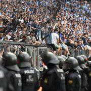 Böller und Prügeleien! Eskaliert eine neue Fan-Gewalt in den Stadien? (Foto)