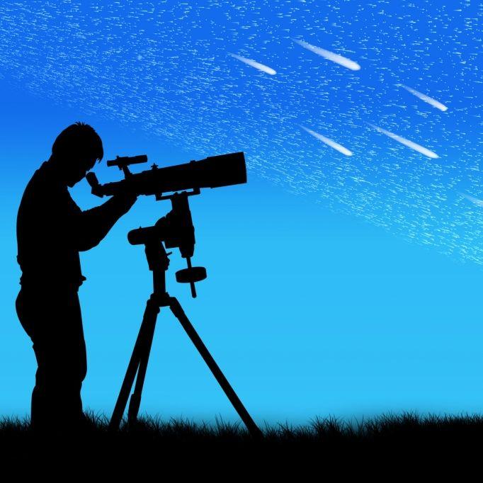 Meteore erhellen den sommerlichen Sternenhimmel (Foto)
