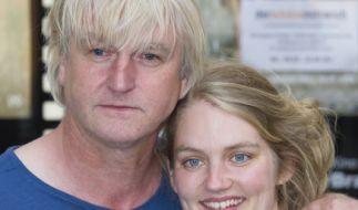 """Detlev Buck posiert mit seiner Tochter Bernadette Knoller am 06.07.2016 in Berlin bei der Filmpremiere """"Ferien"""". (Foto)"""