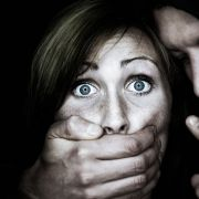 Eltern erlauben Sex-Monster Vergewaltigung ihrer Töchter (Foto)