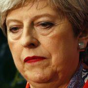 Trotz herber Wahlverluste: Theresa May will Regierung bilden (Foto)