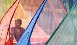 Moskitonetze helfen besonders nachts vor einem möglichen Stich und damit einer Infektion mit Malaria. (Foto)