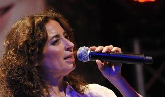 """Die Sängerin und Schauspielerin Isabel Varell bei der Präsentation ihres Albums """"Alles Neu"""" im Jahr 2011. (Foto)"""