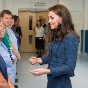 Offenbart Herzogin Kate hier ihren Babybauch? (Foto)