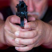 Mann schlägt fünf bewaffnete Räuber in die Flucht (Foto)