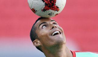 Cristiano Ronaldo soll italienischen Medienberichten zufolge vor einem Rekordtransfer zum FC Bayern München stehen. (Foto)