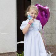 Traurig! Prinzessin Estelle von ihren Freunden getrennt (Foto)