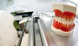 Angstpatienten sollten ihr Problem vor einer Zahnbehandlung offen ansprechen. (Foto)
