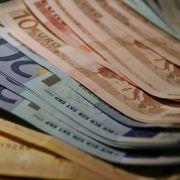 Rentner lässt 20.000 Euro im Taxi liegen (Foto)