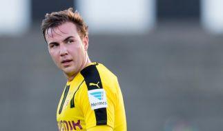 Fußball-Weltmeister Mario Götze könnte schon in wenigen Wochen die Saisonvorbereitung mit seinen Kollegen von Borussia Dortmund aufnehmen. (Foto)