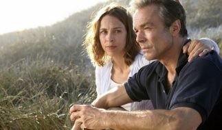 Hanna (Anneke Kim Sarnau) und Helmut (Hannes Jaenicke) haben den Tod ihres Sohnes immer noch nicht verkraftet. (Foto)