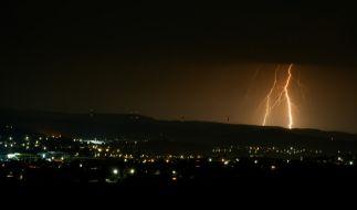 Das oberfränkischen Bad Staffelstein wird von starken Blitzeinschlägen heimgesucht. (Foto)