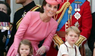 """Herzogin Kate und Prinz William könnte """"Insidern"""" zufolge nach Prinz George und Prinzessin Charlotte weiterer Familienzuwachs ins Haus stehen. (Foto)"""