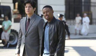 Ein ungleiches Ermittler-Duo: Detective Carter (Justin Hires, r.) und Detective Lee (Jon Foo, l.). (Foto)