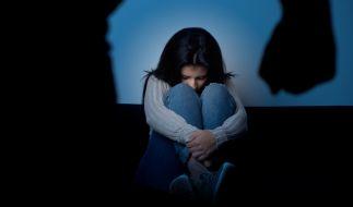 In Russland soll ein Mann seine Adoptivtöchter 729 Mal vergewaltigt haben. (Symbolfoto) (Foto)