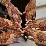 Henna-Tattos bei den Frauen sind beim Eid Mubarak-Fest Tradition.