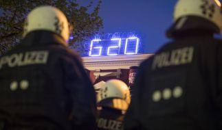 Berliner Polizisten, die zum G20-Gipfel in Hamburg waren, müssen nun die Heimreise antreten. (Foto)