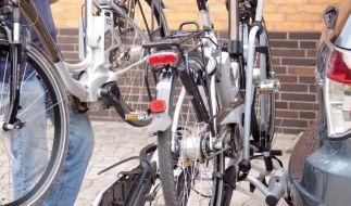 Haben Fahrradträger für E-Bikes einen besonders festen Sitz auf der Anhängerkupplung, schlägt es sich meist in ihrem Preis nieder, so ein Testergebnis. (Foto)