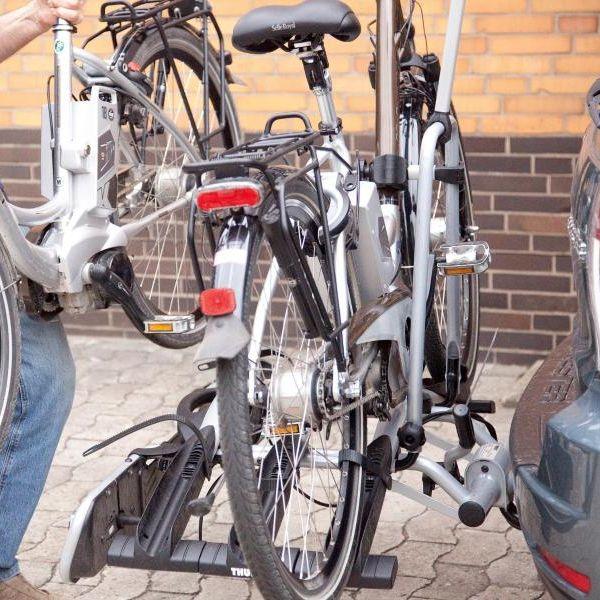 Mit diesen Fahrradträgern transportieren Sie Ihr E-Bike sicher (Foto)