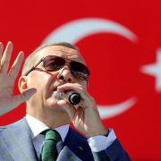 Bundesregierung verbietet Auftritt von Erdogan in Deutschland (Foto)