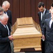 Mit mehreren Trauerfeier wird am Samstag dem Altkanzler Helmut Kohl gedacht.