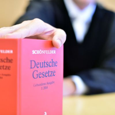 Neue Gesetzeaktuell: Das ändert sich bei Rente, Prepaid und Co. (Foto)