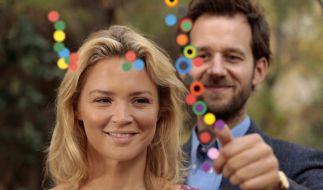 Pierre (Benjamin Lavernhe) lässt die alleinerziehende Louise (Virginie Efira) endlich wieder strahlen. (Foto)