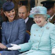 Können sich Kate und Queen Elizabeth etwa nicht leiden? (Foto)