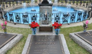 """Elvis Presleys Grab: Zum 40. Todestag des """"King of Rock'n'Roll"""" veranstaltet die Stadt Memphis im August eine Elvis-Woche. (Foto)"""