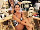 Sarah Lombardi räkelt sich im Badeanzug. (Foto)