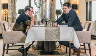 """""""Kitchen Impossible"""": Hans Neuner (l.) trifft auf Tim Mälzer. (Foto)"""
