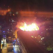 Meterhohe Flammen in London - Brandursache weiter unbekannt (Foto)