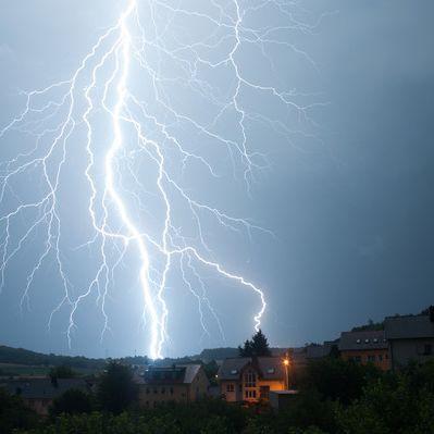 Vorsicht! Hier drohen aktuell schon wieder Gewitter und Unwetter (Foto)