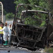Ermittler:Ersatzfahrer bei Busunglück rettete viele Leben (Foto)