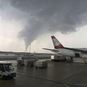 Tornado fegt über Flughafen in Wien - Forscher warnt (Foto)