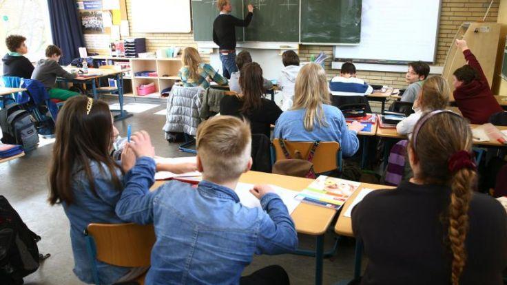 Eine Studie ergab, dass Migrantenkinder trotz gleicher Leistung im Fach Mathe schlechter bewertet werden.