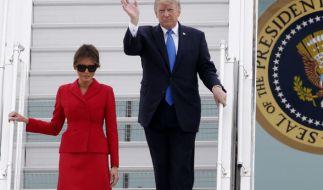 Donald Trump und seine Frau Melanie während ihrer Ankunft in Frankreich. (Foto)