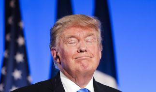 Donald Trump hat bei seiner Frankreich-Reise mal wieder kein Fettnäpfchen ausgelassen. (Foto)