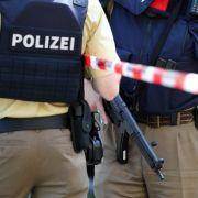 Schießwütige Polizei? Wann Polizisten zur Waffe greifen dürfen (Foto)