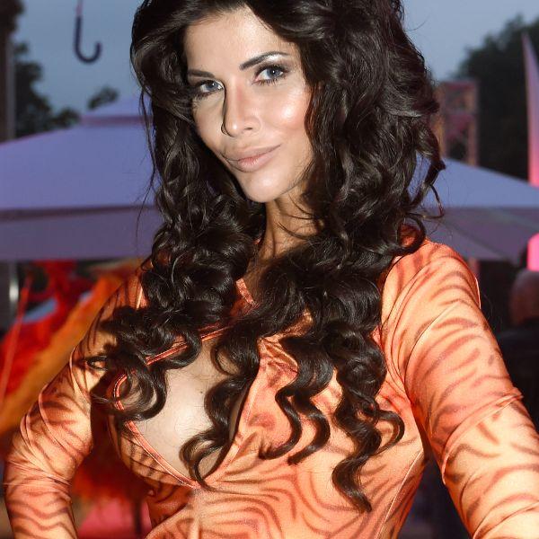 Verruchte Beichte! Sie drehte Sexfilme mit JEDEM Freund (Foto)