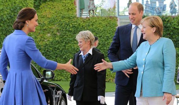 Angela Merkel empfängt William und Kate im Bundeskanzleramt, allerdings ohne die beiden Kinder.