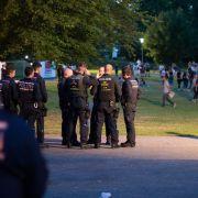 Massenrandale? Polizei korrigiert Zahlen nach unten (Foto)