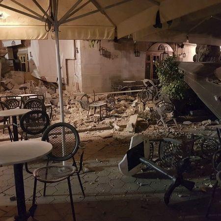 Griechische Urlaubsinsel von Tsunami verwüstet - 2 Tote, 120 Verletzte (Foto)