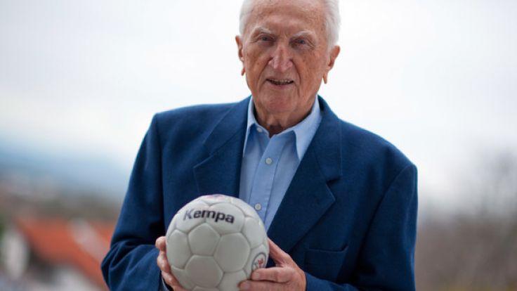 Die Handball-Legende Bernhard Kempa ist im Alter von 96 Jahren gestorben.