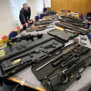 BKA warnt: Terror-Gefahr durch Reichsbürger (Foto)