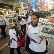 Unter Terrorverdacht! Journalisten drohen über 40 Jahre Haft (Foto)