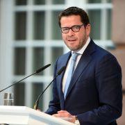 Kehrt Guttenberg auf die politische Bühne zurück? (Foto)