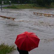Hochwasser-Chaos aktuell! Katastrophenalarm in Goslar, Talsperre läuft über (Foto)