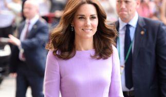 Kate Middleton trägt zu jeder Gelegenheit das passende Outfit. (Foto)